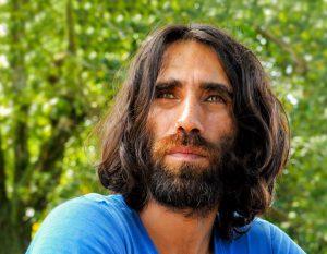 La Nuova Zelanda accetta la richiesta d'asilo dello scrittore curdo Behrouz Boochani