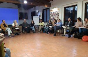 Pat Patfoort spiega alla Piccola Scuola di Pace di Firenze il metodo dell'Equivalenza