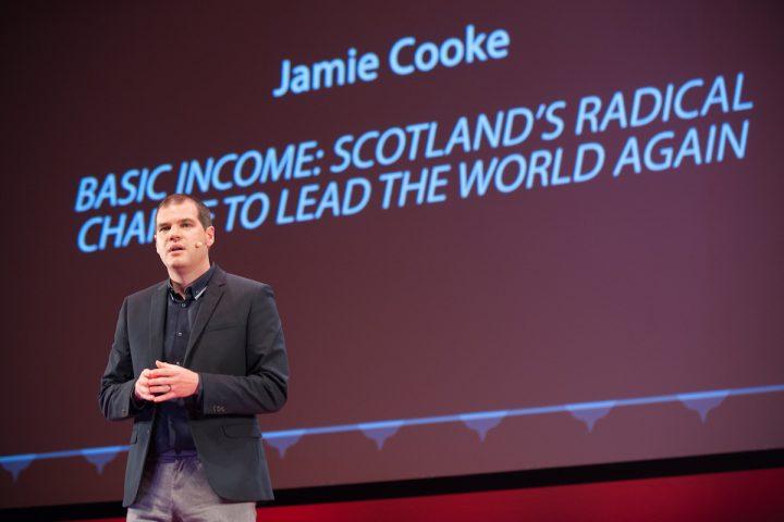 Scozia: pubblicato il rapporto sulla fattibilità per sperimentare il reddito di base