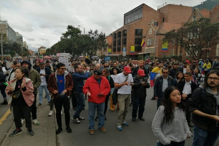 Na Colômbia, eles se juntam ao cacerolazo latino-americano