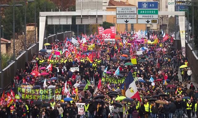 Artigo | Greve geral: franceses vão às ruas para defender a Previdência