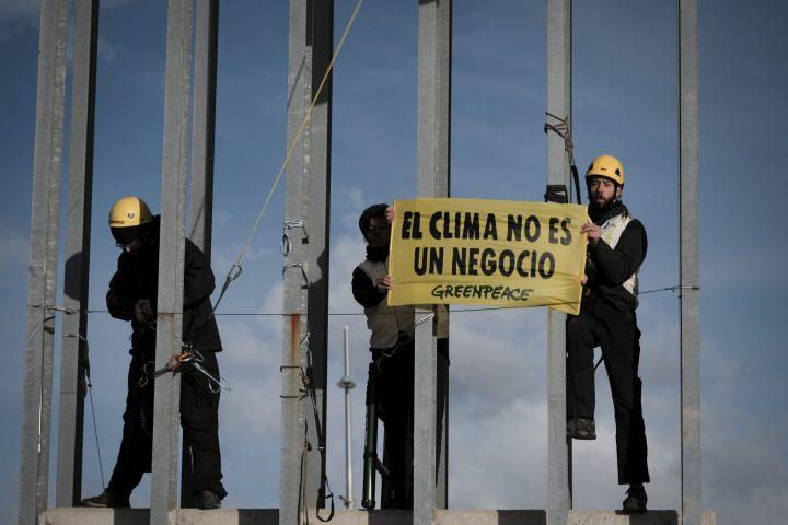 ACCION GREENPEACE_COP25_denuncia presiones grandes empresas (3)
