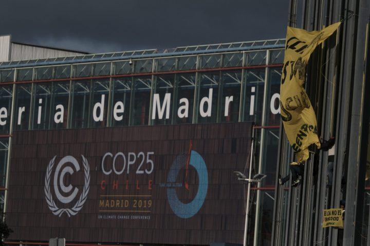 ACCION GREENPEACE_COP25_denuncia presiones grandes empresas (4)