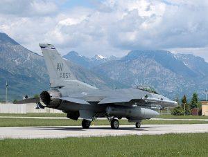 Nuevas bombas nucleares estadounidenses en la base de Aviano. Dura condena de la Refundación y los Verdes