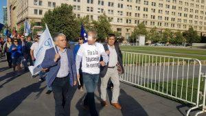 Entrevista a Carlos Díaz: el rol del Colegio de Profesores en la recuperación de la dignidad en Chile
