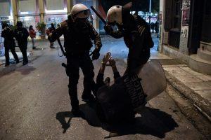 33 Ευρωβουλευτές απευθύνουν επιστολή στην Ελληνική πολιτική ηγεσία για την αστυνομική βία