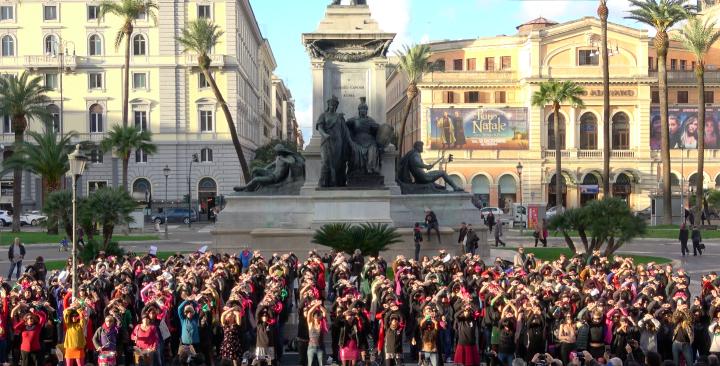 Roma, flashmob: Un violador en tu camino