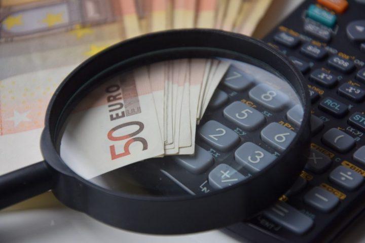 Una trasparenza fiscale fasulla: il Parlamento Europeo e la Francia si piegano davanti agli interessi delle multinazionali