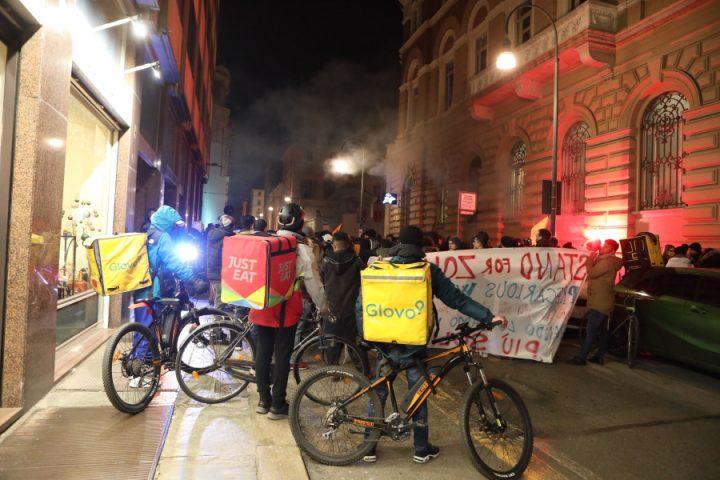 Manifestazione dei Rider a Torino in sostegno a Zohaib