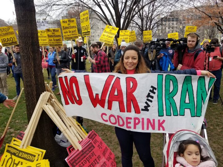 Οι λαοί του κόσμου λένε: όχι πόλεμο με το Ιράν