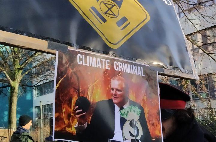 Proteste vor der australischen Botschaft in Berlin
