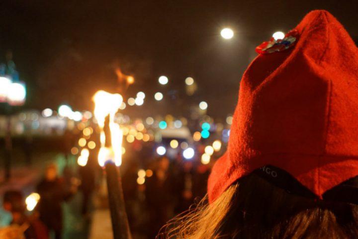 Retiros a la luz de las antorchas: manifestación en Burdeos