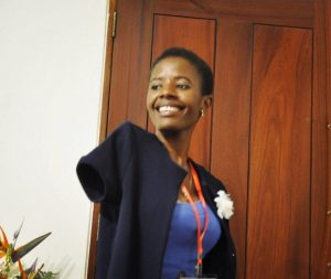 Deputada moçambicana sem membros superiores pretende focar na área de educação