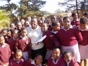 Luchando contra la humillación de menstruar para niñas de Suazilandia