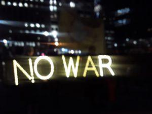 Un clamor de paz frente a un imperio en su fase de violenta decadencia