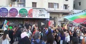 Chile recibe el Año Nuevo con protestas y policías en las calles