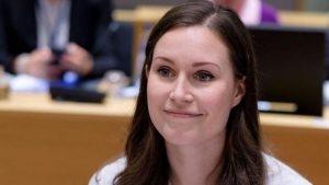 """Finlandia: La Primera Ministra de 34 años, pide que se trabaje 6 horas, 4 veces a la semana: """"La gente merece tiempo para otros aspectos de la vida"""""""