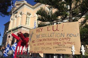 Migranti. Proteste nelle isole greche: non vogliamo prigioni