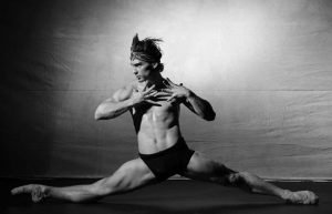 Recaudación de fondos para el SIDA, Turín muestra la película sobre Rudolf Nureyev