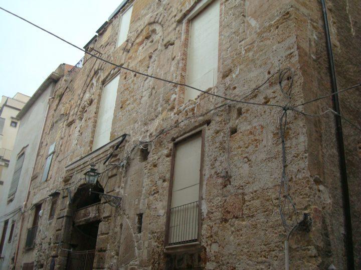 Saldi di fine stagione (politica). L'attrattiva economica del centro storico di Palermo