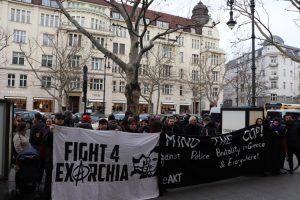 Συγκέντρωση διαμαρτυρίας ενάντια στην καταστολή έξω από την ελληνική πρεσβεία στο Βερολίνο