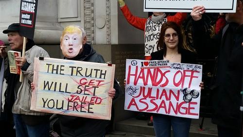 3marche-Assange-Londres