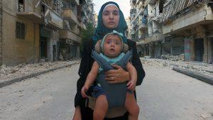 """""""Alla mia piccola Sama"""". Una giovane madre di Aleppo documenta cinque anni di rivolta contro Bashar al-Assad"""