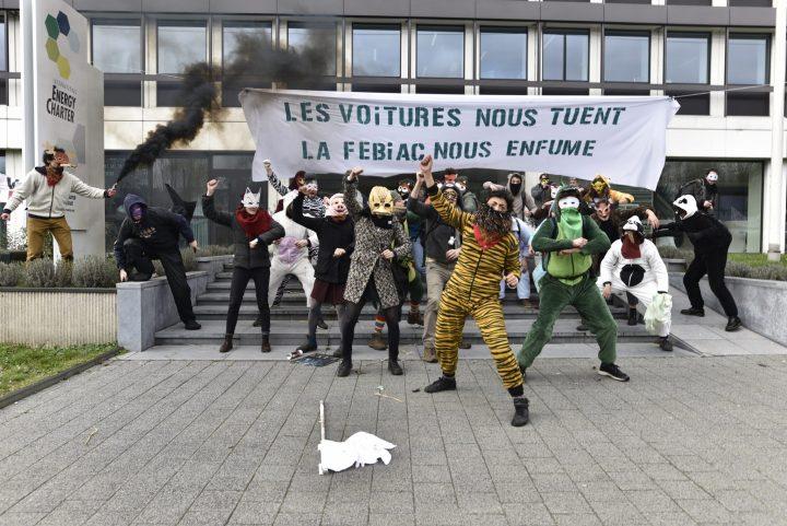 Changement climatique : A Bruxelles, action «animale» pour dénoncer l'industrie automobile
