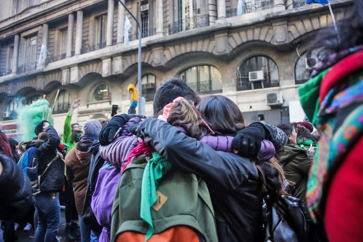 La fuerza de la amistad en la acción de  organizaciones locales y redes transformadoras nacionales y mundiales