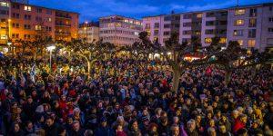 Almanya'daki ırkçı saldırıya karşı binler sokağa çıktı