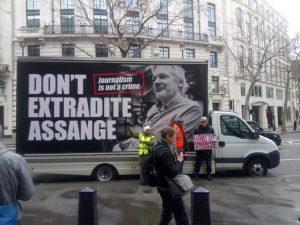 Juicio Julian Assange: es un atentado contra la libertad de expresión, un juicio político