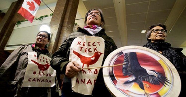 """Edmonton, Kanada: Protest gegen das Projekt """"Oil Teck Frontier"""""""