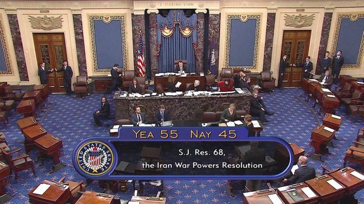 Le Sénat états-unien vote une résolution pour limiter les pouvoirs de guerre de Trump