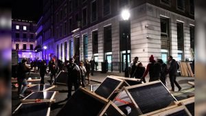 Hundreds of Greenpeace Climate Activists Shut Down BP Headquarters in London