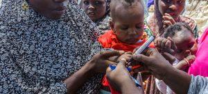 OMS conclui campanha de vacinação contra pólio na Nigéria visando 55 milhões de crianças