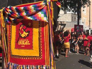 'Suingue e política' do Acadêmicos da Ursal marcam presença no carnaval de SP