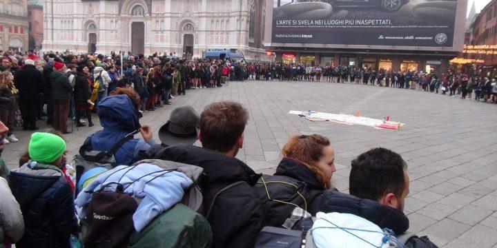 Flash mob a Bologna contro le mafie