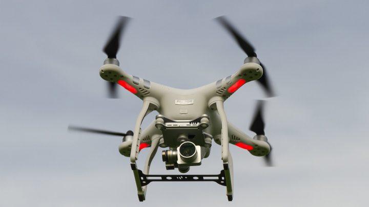 Covid-19 e nuove misure restrittive: droni? Tracciamento tramite App?