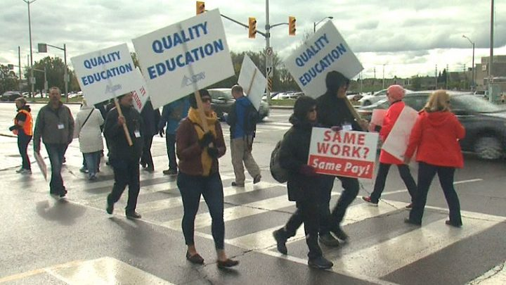 Teachers strike in Ontario have tremendous support of the public