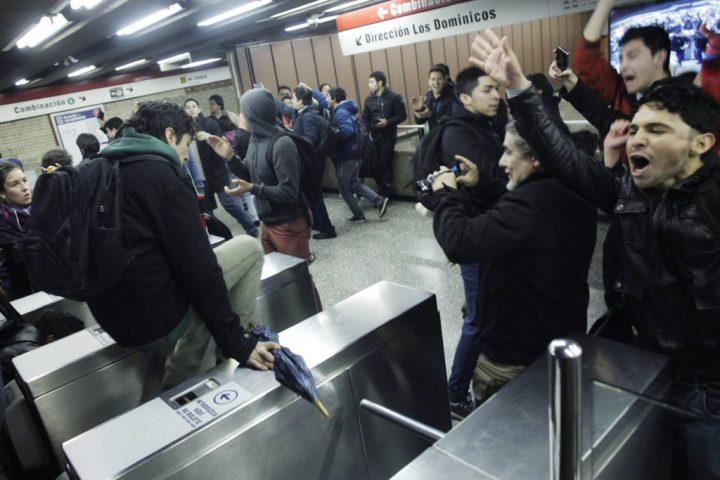 Chile: Primera evasión masiva de marzo se registró en metro Pudahuel este Súper Lunes