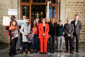 Barcelona denuncia les pràctiques abusives dels fons voltor