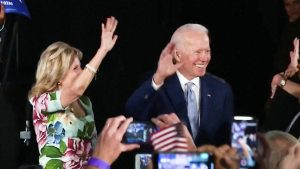 Joe Biden stravince le primarie in South Carolina. Buttigieg e Steyer si ritirano prima del Super Martedì