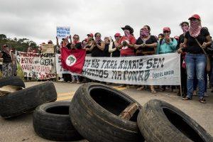 Resistencias al extractivismo desde las mujeres defensoras de los territorios en América Latina