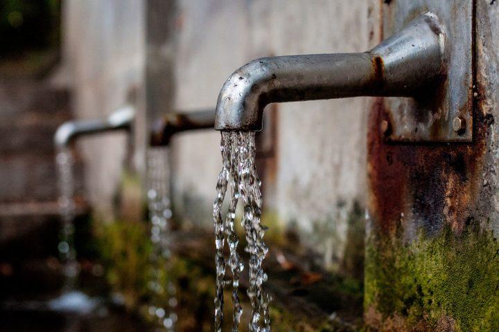 """Químicos """"eternos"""" en el agua del grifo"""
