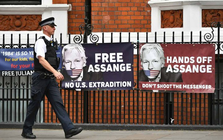 Se il processo a Julian Assange è un processo al giornalismo. Cosa sta accadendo a Londra