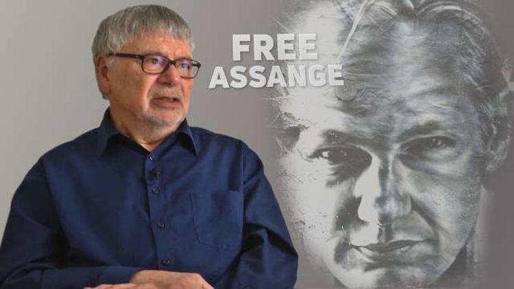 """Gerhard Baisch: """"Free Assange now!"""""""