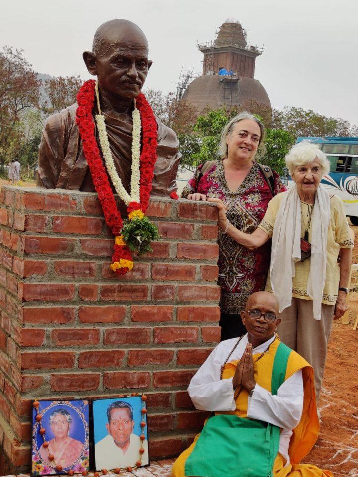 inaugurazione statua gandhi