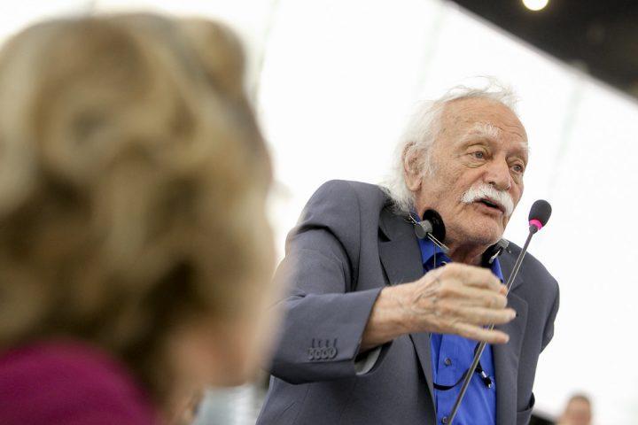 Manolis Glezos: gran personalidad de izquierdas premiado con el Premio Lenin de la Paz, muere a la edad de 98 años