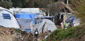 Πιο επιτακτική από ποτέ η ανάγκη για εκκένωση των άθλιων καταυλισμών εξαιτίας της απειλής του κορονοϊού