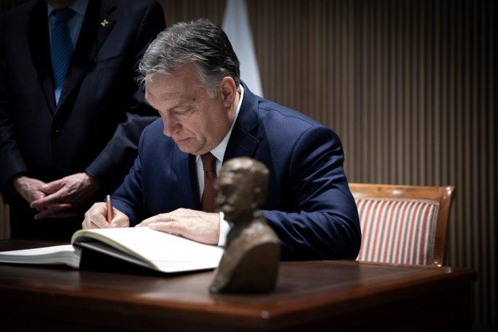 Ungarn: Die Regierung Orbán darf mit Covid-19-Gesetz keine unbegrenzten Befugnisse erhalten